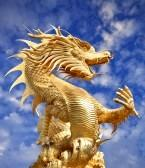 11995672-golden-giant-dragon-chinois-pour-l-39-annee-1212-1.jpg